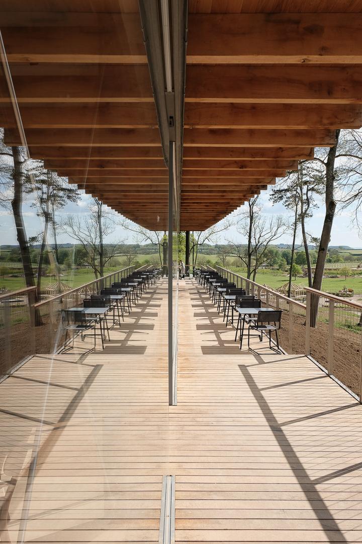Studio Vonne | Outdoor terrace, cafe design, terrace, reflection,