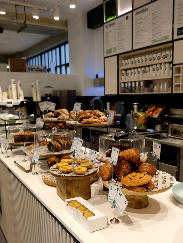 Coffee bar, coffee shop, juice bar, bakery, bakery display